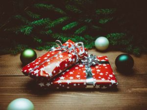 Avoiding conspicuous consumption at christmas