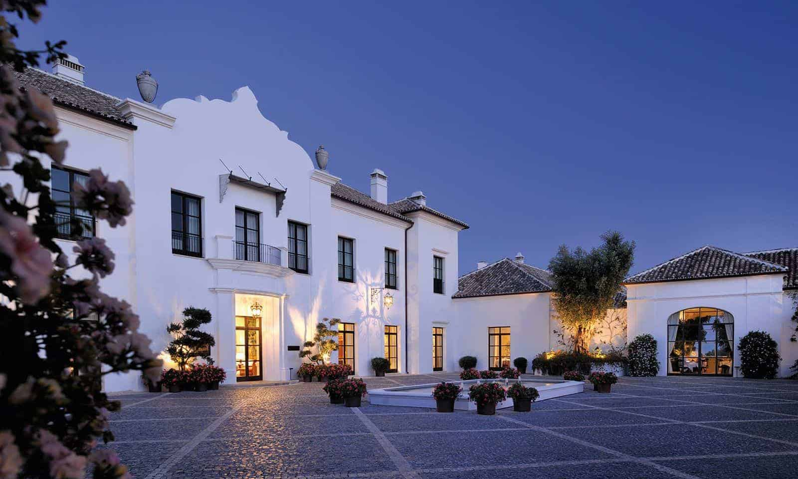 Hotels with disabled facilities holidays for the for Special hotels