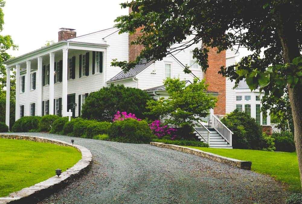 The 5 Best Places to Stay in Charlottesville (+ another 5 Great Places To Stay Near Charlottesville, VA)