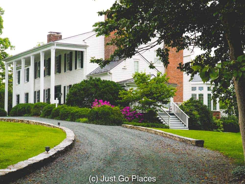 The elegant entrance to the Clifton Inn, a bed and breakfast near Charlottesville VA