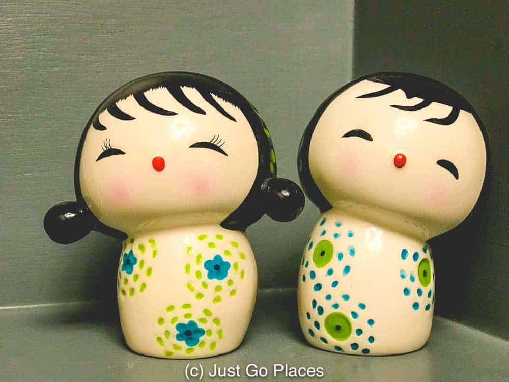 you can see how modern Kokeshi dolls got their style