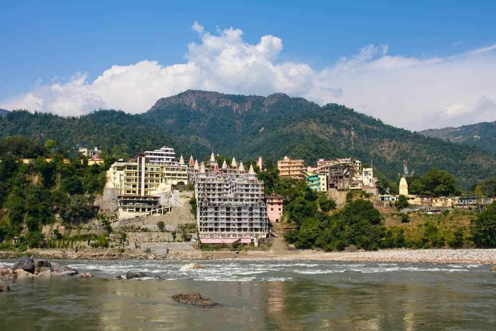 A yoga complex in Rishikesh which is conveniently close to Chamba Hill Station if you are travelling with companions who prefer yoga to outdoor adventure.