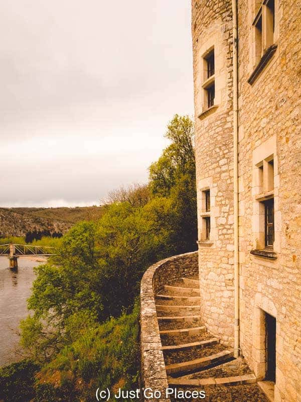 Hotels in Midi Pyrenees don't come with a more stunning less than this clifftop location.