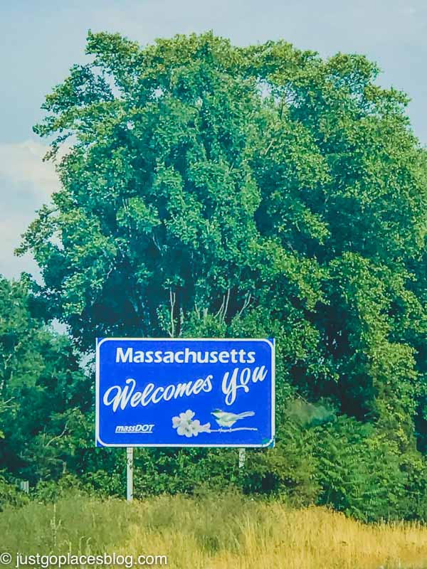A sign welcoming visitors to Massachusetts