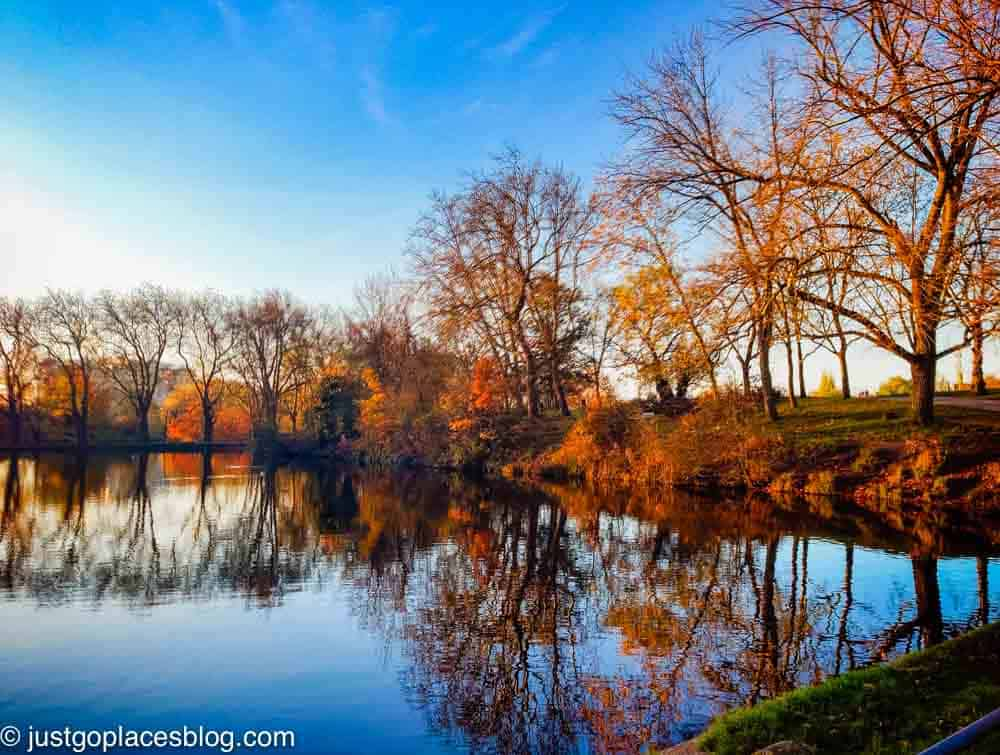 Hampstead pond in fall
