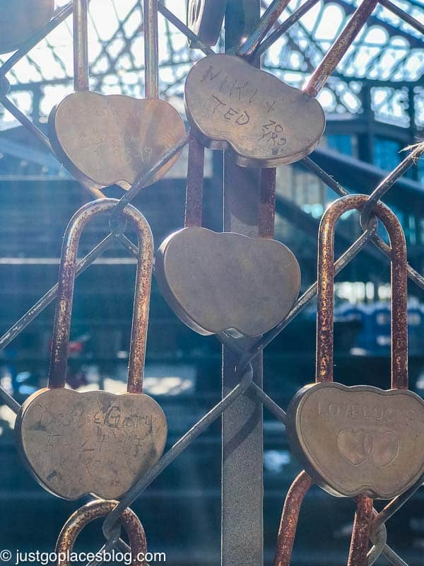 Love link locks in New Orleans at the Garden District