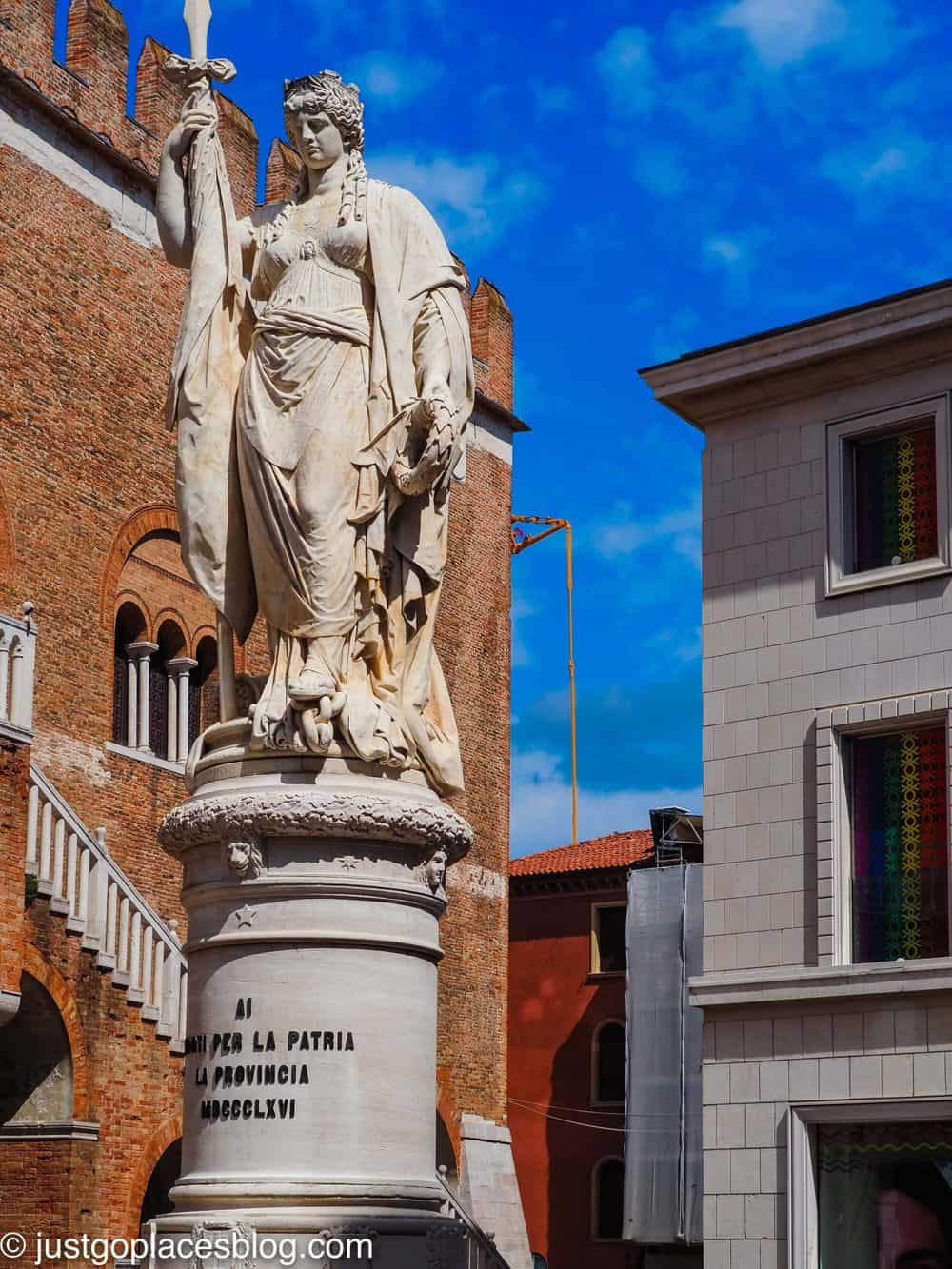 Piazza Indipendenza with its statue of Treviso independence from Austria